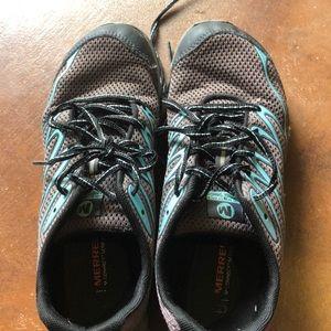 Women's Merrell vibrant sole sneakers
